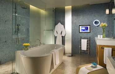 10 Easy Tips to Clean Bathroom