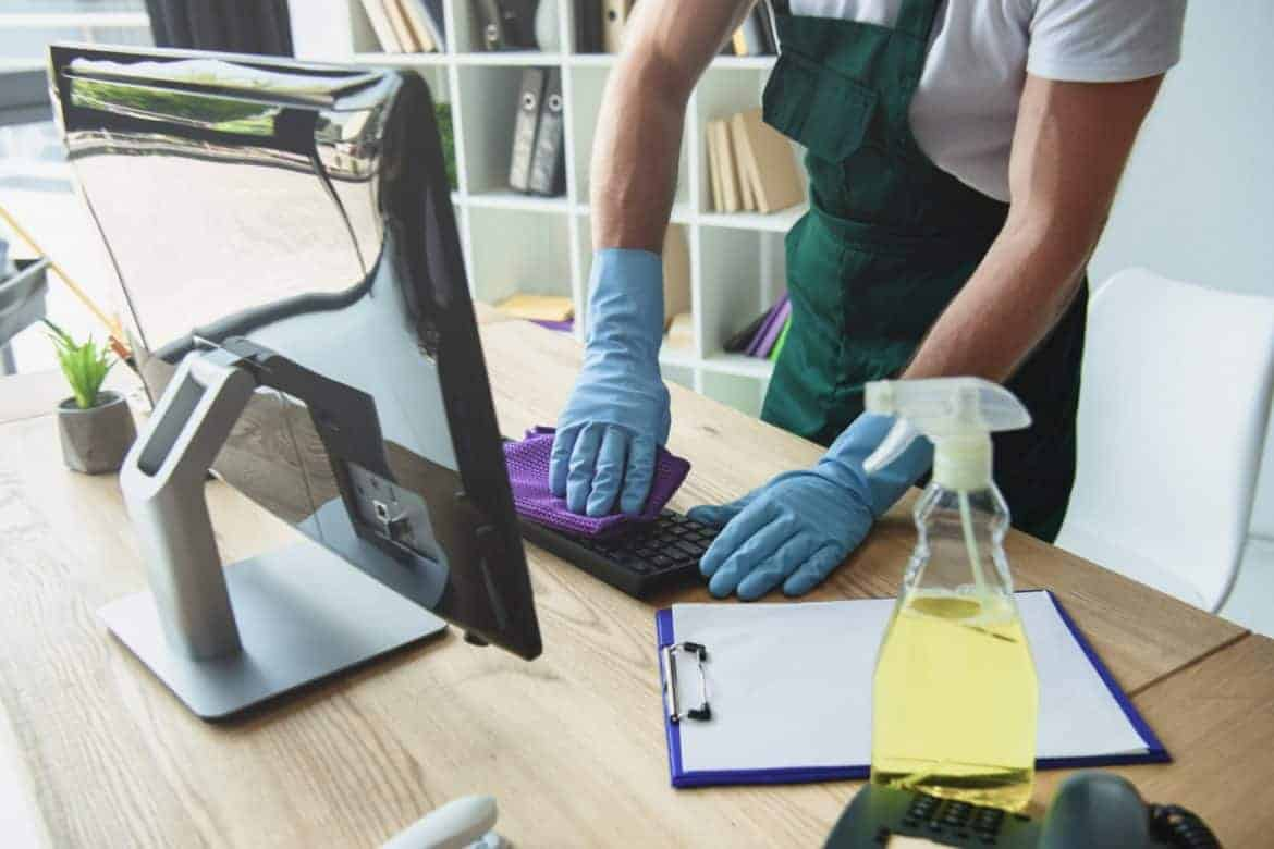 Fast Office Cleaning Tips