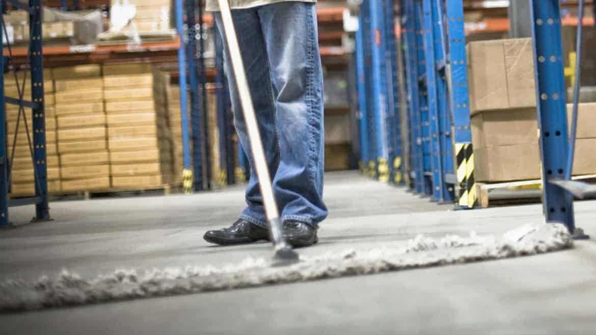 Warehouse cleaning tips Laval