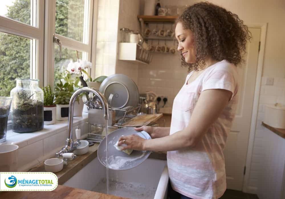 clean away dishes